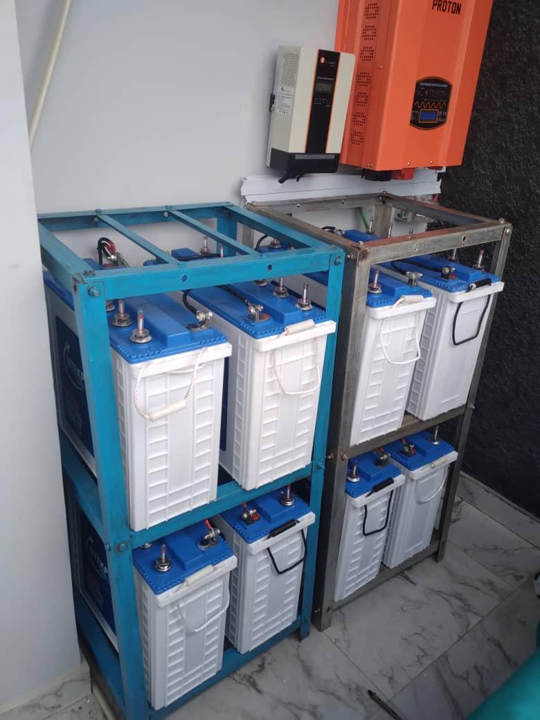 Power Inverter (8 Batteries)